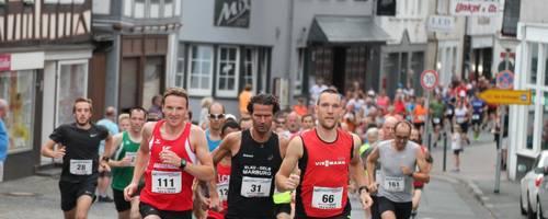 Am 20. Juli macht der Mittelhessen-Cup im Hinterland Station. Dann wird in der Biedenkopfer Innenstadt um Punkte für die Laufserie gekämpft. Foto: Helmut Serowy