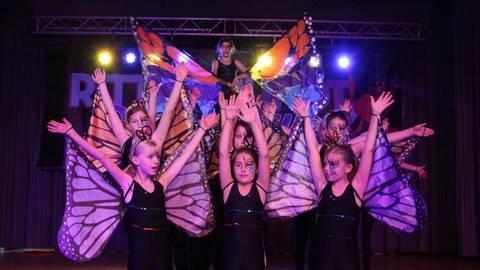 Auch die Emotion Girlszeigten ihr Können auf der Bühne. Foto: photoagenten/Axel Schmitz  Foto: photoagenten/Axel Schmitz