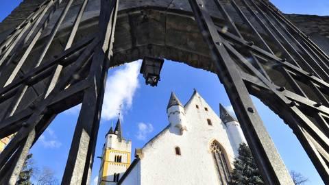 Gerade in Krisenzeiten kommen Gläubige in den Kirchen zusammen (hier zu sehen die Burgkirche). Doch Gottesdienste sind während der Corona-Pandemie nicht möglich. Archivfoto: Thomas Schmidt