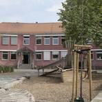 """Abreißen oder erhalten? Das """"rote Haus"""" in Königstädten beschäftigt die Mitglieder des Ortsbeirats.           Archivfoto: Vollformat/Volker Dziemballa"""