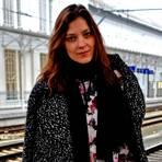 Model Kati Nescher, das aktuelle Gesicht der Vogue Deutschland, in Salzburg am Bahnhof. Foto: Anja Kossiwakis