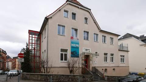 Noch gehört die Kita Philipp-Holl an der Gabelsbergstraße dem Kreisverband der Wiesbadener Awo, soll aber von der Stadtentwicklungsgesellschaft gekauft werden.  Foto: Jörg Halisch