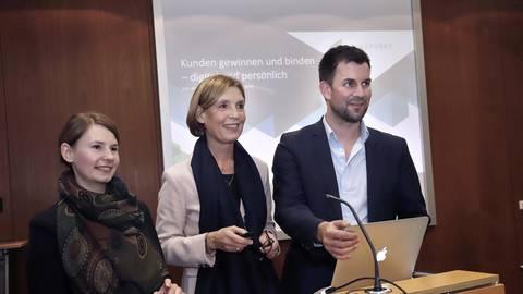 Was interessiert mein Gegenüber? Die Kommunikationsexperten Jessica Sahlmen (von links), Ina Biehl von Richthofen und Heiko Depner raten, öfter den Blickwinkel zu wechseln. Foto: Andreas Kelm