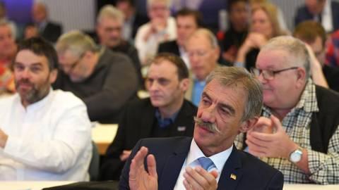 Uwe Junge hat als Vorsitzender die AfD Rheinland-Pfalz noch hinter sich – aber die Gruppe derer, die seine Arbeit und seinen Führungsstil kritisieren, ist größer geworden. So hat seine Haltung, Afghanistan nicht als sicheres Land zu sehen, ihm Gegner eingebracht.Foto: dpa  Foto: dpa