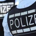 In Westen gekleidete Polizisten.  Symbolfoto: dpa