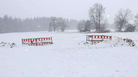 Eine neue Baustelle für den Skiclub Herchenhain ist das marode Stromkabel.  Foto: Eigner