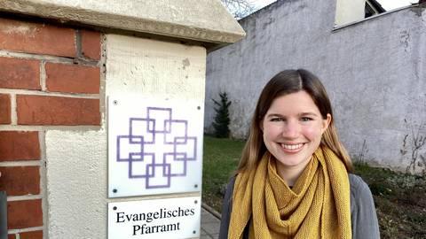 Die 28-jährige Milena Trommlitz möchte Pfarrerin werden. In Nieder-Olm absolviert sie ihr Vikariat. Foto: Hilke Wiegers