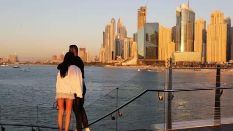 Luxusurlaub in Dubai: Ist neben dem Blick auf die Skyline bei Sonnenuntergang möglicherweise bald auch die Schutzimpfung gegen das Coronavirus inklusive? a Foto: dp