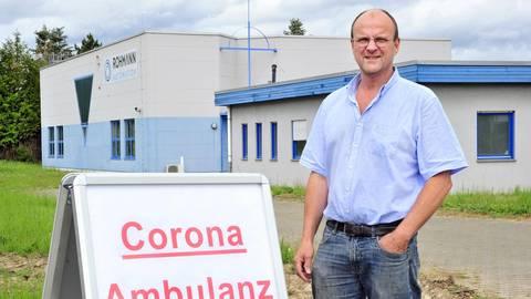 Der Binger Arzt Dieter Keitel leitet die Corona-Ambulanz in der Ingelheimer Konrad-Adenauer-Straße 34. Foto: Thomas Schmidt