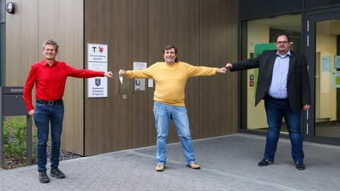 Ortsvorsteher Harald Kuntze (Mitte) mit seinen Stellvertretern Stefan Althaus (SPD, links) und Ulrich Schwalbach (CDU). Foto: Jörg Halisch