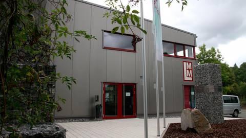 Positives Ergebnis bei der Stiftung: das Lahn-Marmor-Museum in Villmar gegenüber des Bahnhofs. Foto: Jürgen Vetter