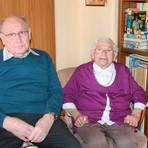 Blicken heute auf 65 gemeinsame Ehejahre zurück: Erika und Heinz Pfanschilling aus Bischoffen. Foto: Helga Peter