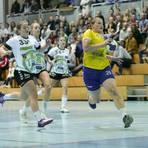 Ihren kraftvollen Einsatz werden die Ischn in der Dritten Liga vermissen: Michelle Chwalek (am Ball). Archivfoto: hbz/Stefan Sämmer
