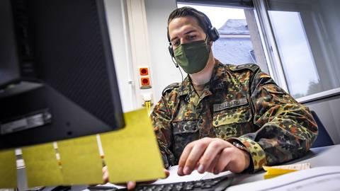Im Mainzer Gesundheitsamt helfen Bundeswehrsoldaten aus. Archivfoto: Lukas Görlach