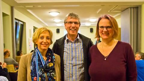 Die drei Spitzenkandidaten der Grünen für den Kreistag wollen neue Klimaschutzkonzepte entwickeln (von links): Petra Kohrs, Erwin Manz und Annette Esser. Foto: Wolfgang Bartels