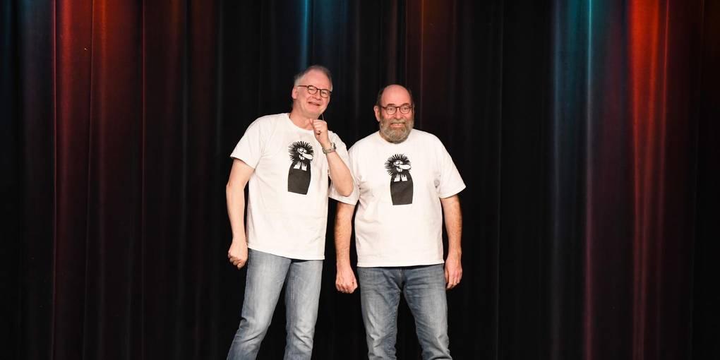 Bibelfeste Komödianten: Clajo Herrmann (links) und Hans-Joachim Greifenstein im Halbneun-Theater. Foto: Dirk Zengel