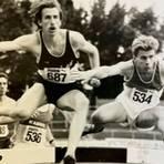 Christian Eckhardt (l., Nr. 687) war nicht nur ein erfolgreicher Hindernisläufer. 1989 lief er über 800 Meter die schnellste Zeit, die jemals ein Läufer aus den Reihen des LAV Dietzhölztal auf die Uhr gebracht hat.  Foto: Josef Heisinger