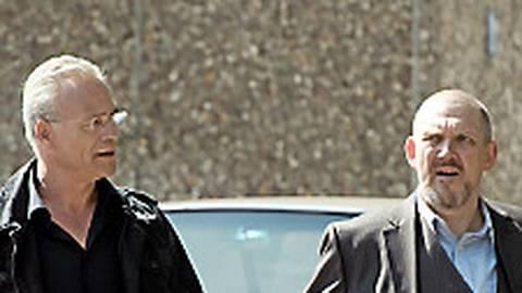 Ballauf (Klaus J. Behrendt, l.) und Schenk (Dietmar Bär) sind unterwegs in ihrem Revier.  Foto: WDR/Martin Menke