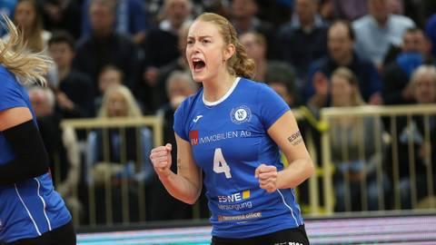 Die 27-jährige Tanja Großer erhält beim VCW als eine von nur wenigen Spielerinnen einen neuen Vertrag. Archivfoto: Detelf Gottwald