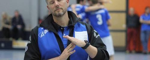 Enttäuscht: Waldgirmes-Trainer Daniel Bock kommt ohne Punkte nach Hause. Foto: Tobias Ripl