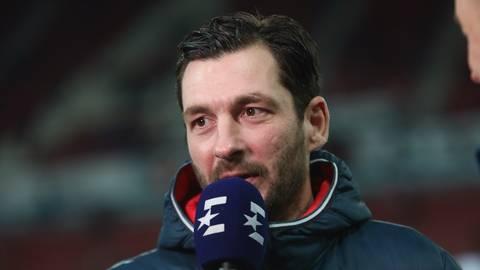 05-Trainer Sandro Schwarz. Foto: Lukas Görlach