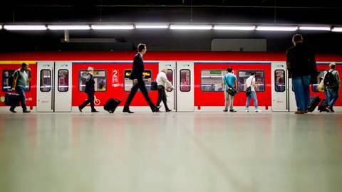 Die S-Bahn-Linien 1, 2, 8 und 9 waren von der Signalstörung am Frankfurter Hauptbahnhof betroffen. Archivfoto: dpa