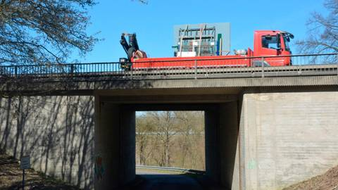 Die B 49 am Dammgarten soll für 770 000 Euro wieder in Schuss gebracht werden.  Foto: Lothar Rühl
