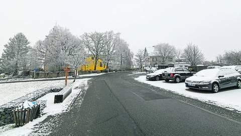 Wenig Schnee, aber glatte Fahrbahnen, so wie hier in Modautal,  machen einigen Autofahrern im Landkreis zu schaffen. Foto: Dirk Zengel