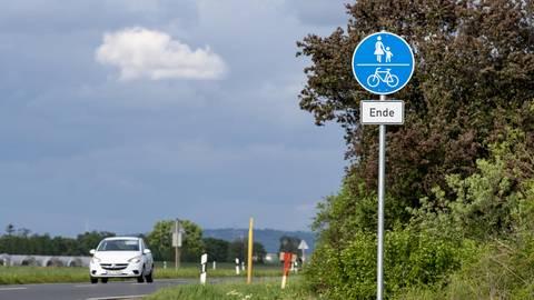 Rund 300 Meter nach der Zufahrt zum Betonschwellenwerk an der L 3361 endet der Radweg von Biebesheim nach Pfungstadt-Hahn. Das soll sich ändern. Foto: VF/R. Heiler