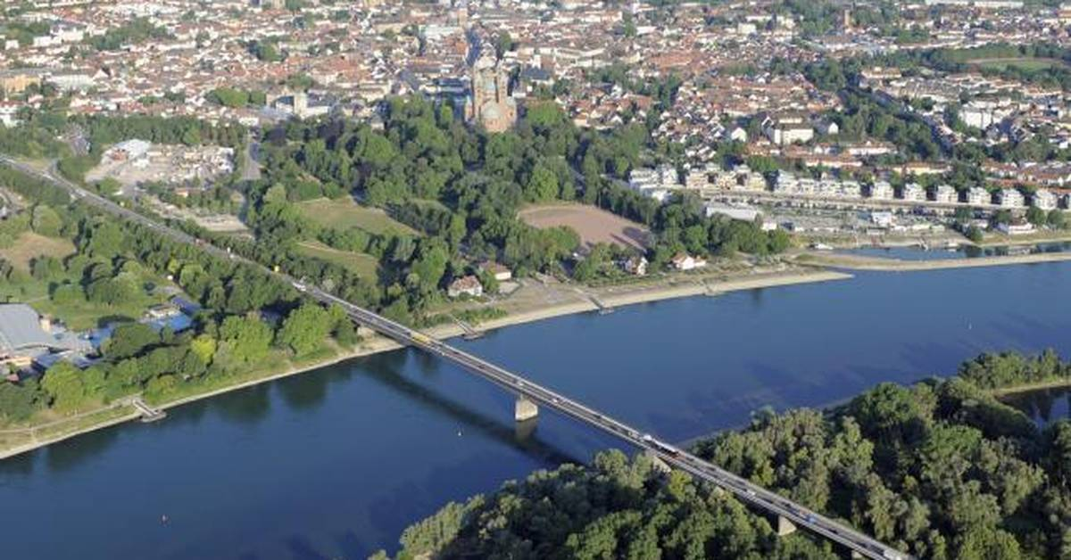 Rheinbrücke Speyer Gesperrt