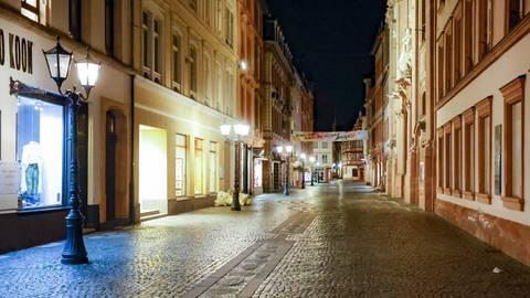 Leere, wohin das Auge blickt auf der Altstadt-Vorzeigepromenade Augustinerstraße.  Fotos: Sascha Kopp