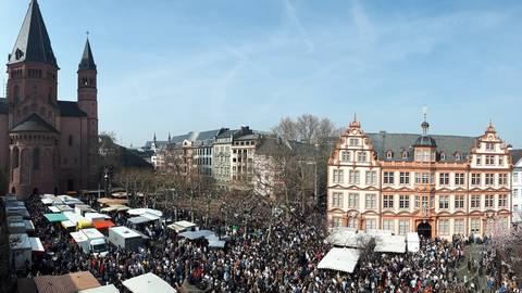 Wegen des Coronavirus wird der Auftakt des Mainzer Marktfrühstücks verschoben. Archivfoto: Maike Hessedenz