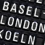 Das Landeverbot für Flugzeuge aus Großbritannien hat viele Passagiere die Nacht am Frankfurter Flughafen verbringen lassen. Foto: dpa