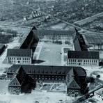 Von der ehemaligen Flakkaserne bis zum Bildungshort und studentischen Lebensraum: Die Ausstellung zeichnet facettenreich den Werdegang der Universität nach 1945 nach. Foto: JGU
