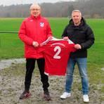 """Die """"2"""" steht bei der SG Niedertiefenbach/Dehrn seit Jahren auch für zwei Trainer: Die heißen in der neuen Saison Jörg Leber (l.) und Uwe Steioff.  Foto: SGND"""
