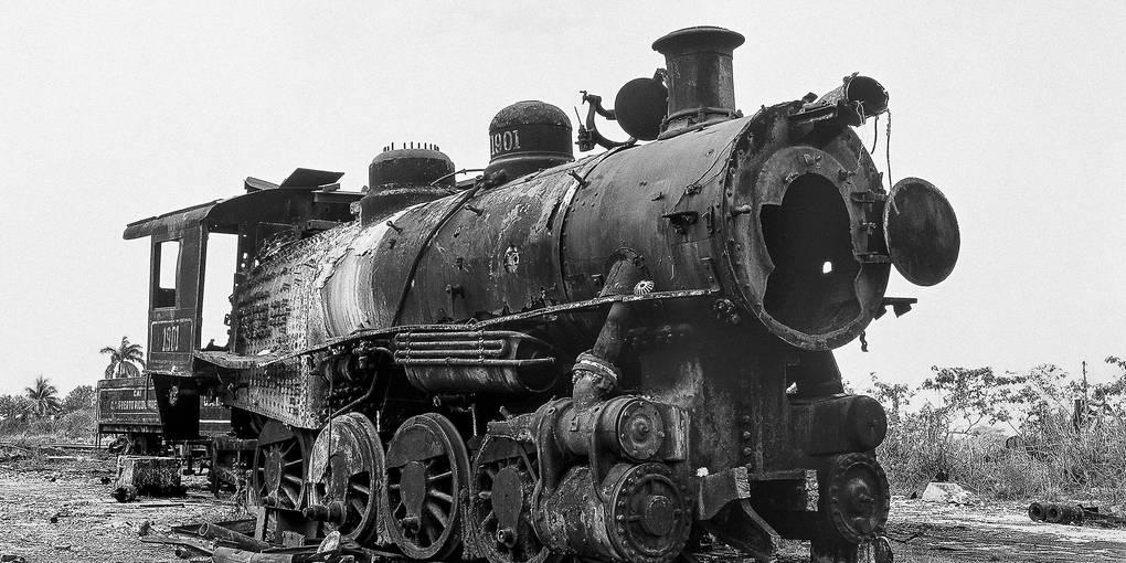 Das Foto einer verfallenen Dampflok ist aus Ricardo G. Elías' Serie