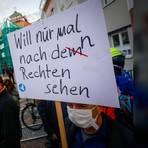 Viele Idsteiner demonstrierten gegen den Auftritt der Bundespolitiker der AfD. Foto: Lukas Görlach