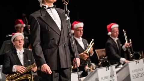Dennis Wittberg und die Schellack-Solisten begeistern in Heppenheim mit musikalischer Vielfalt. Foto: Sascha Lotz  Foto: Sascha Lotz