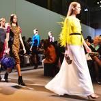 Trendige Mode mit lustigen Aufdrucken bei Andrew GN. Foto: Anja Kossiwakis