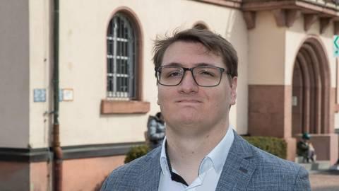 Urs Scheib hat sein Interesse für Kommunalpolitik entdeckt, als er seinen Vater, den Bibliser Bürgermeister Volker Scheib, beim Wahlkampf unterstützte. Foto: Thorsten Gutschalk