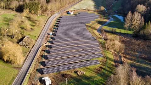 Der neue Solarpark ist jetzt offiziell eingeweiht worden. Foto: Ulrich Eschenauer