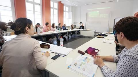 So viele Teilnehmer werden demnächst nicht mehr in einem Kurs sitzen. Archivfoto: hbz/Judith Wallerius