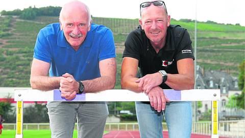 Leichtathletik-Präsident Paul Blaschke (links, hier mit Wolfgang Chladek) ist ein Fan großflächiger Sportstrukturen. Archivfoto: Tscherner