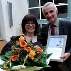 Neuestes Mitglied im Synodalvorstand ist Jasmin Klein aus Sickenhofen. Dekan Joachim Meyer ehrte sie außerdem für zehn Jahre Prädikantentätigkeit. Foto: Dekanat Vorderer Odenwald   Foto: Dekanat Vorderer Odenwald