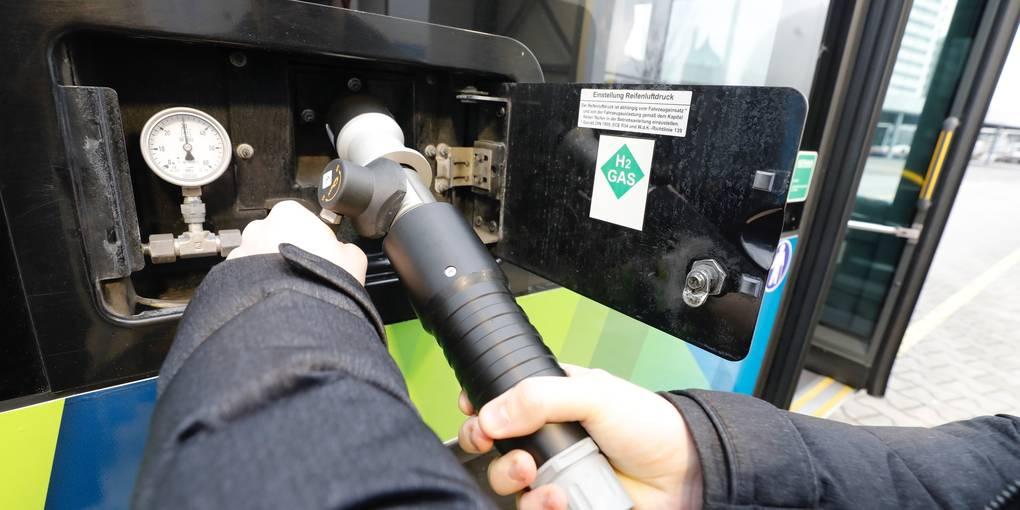 #Wasserstoff statt Diesel: #Brennstoffzellenbus in #Wiesbaden
