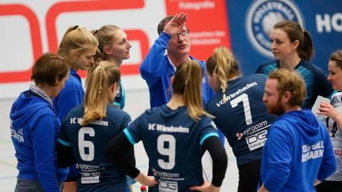 Der VC Wiesbaden II um Coach Raimund Jeuck spielt eine fantastische Saison. Archivfoto: rscp/Frank Heinen
