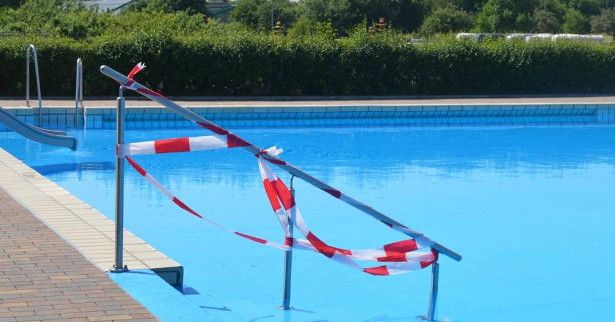 Nacktbaden schwimmbad
