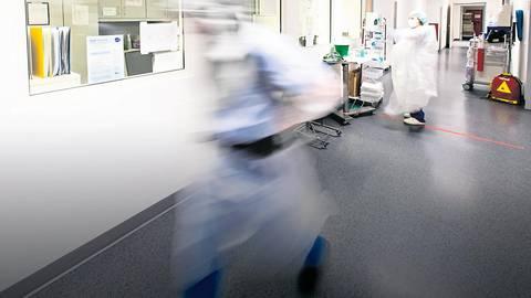 Die Kliniken im Kreis Limburg-Weilburg kämpfen mit der Corona-Belastung. Die Mediziner bitten die Bürger, Kontakte einzuschränken. Symbolfoto: dpa