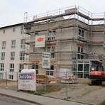 """Im Sommer soll die """"Seniorenresidenz Pohlheim"""" im Fortweg eröffnet werden.  Foto: Schu"""