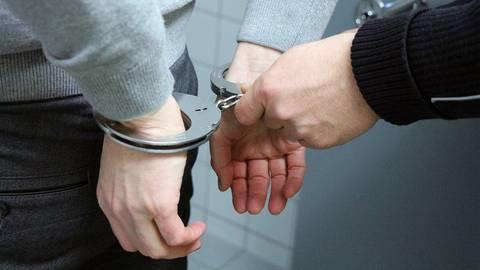 Verhaftung.  Symbolfoto: Landeskriminalamt Rheinland-Pfalz